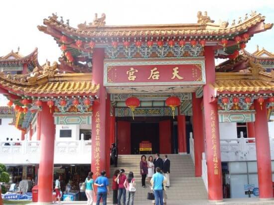 chinese-temple-kuala-lumpur-malaysia+1152_12985533503-tpfil02aw-30822